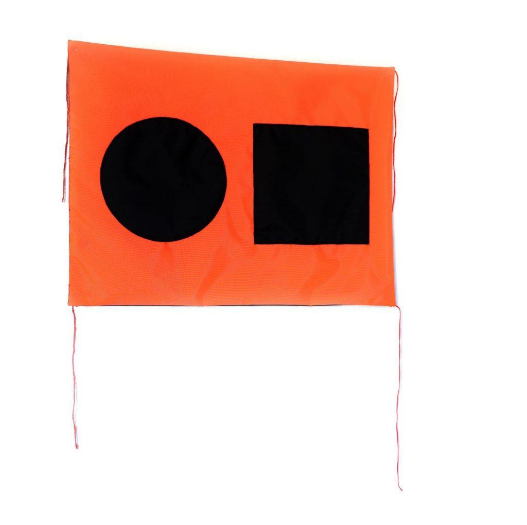 """Distress flag / Still fine I, textile (nylon) et ficelle, 15""""x21"""", 2020 ©Jean Michel RENÉ, résidence LOJIQ centre Langage Plus 2020"""